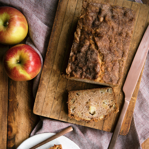 GALA APPLE BREAD WITH CINNAMON SUGAR