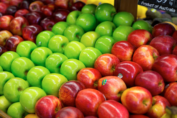 Display of apples at Lennox Head IGA