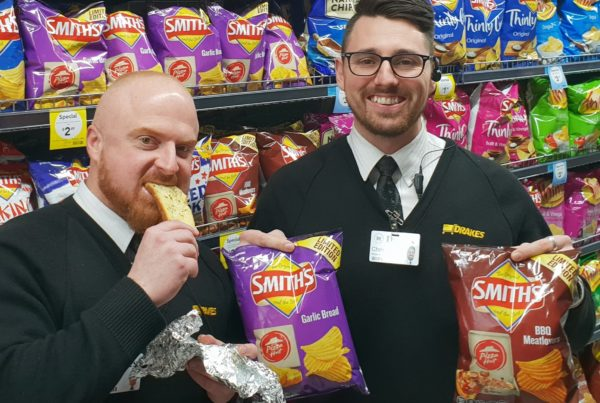 Smiths Pizza Hut Chips Drakes competition